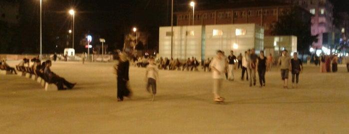Bağcılar Meydanı is one of สถานที่ที่ Aylin ถูกใจ.