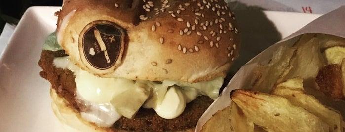 Fatto-bene burger is one of Federico : понравившиеся места.