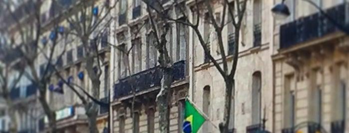 Consulat-Général du Brésil à Paris is one of Lugares favoritos de Fernando.