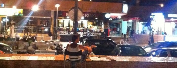 Burger King is one of Locais curtidos por David.