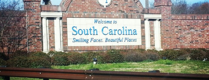 North Carolina / South Carolina State Line is one of Nicholas'ın Beğendiği Mekanlar.