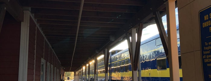 Fairbanks Train Depot is one of Tiffany 님이 저장한 장소.