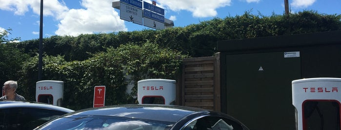 Tesla Supercharger Clermont-Ferrand is one of Tesla France CH B.