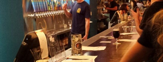 Ballast Point Tasting Room & Kitchen is one of Lugares favoritos de Erik.