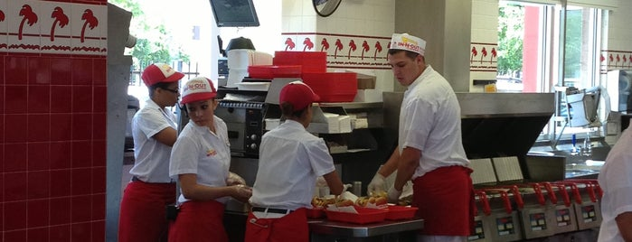 In-N-Out Burger is one of Lugares favoritos de Bridget.