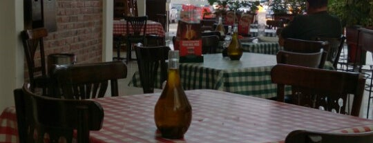 Italianni's Pasta, Pizza & Vino is one of Stephania 님이 좋아한 장소.