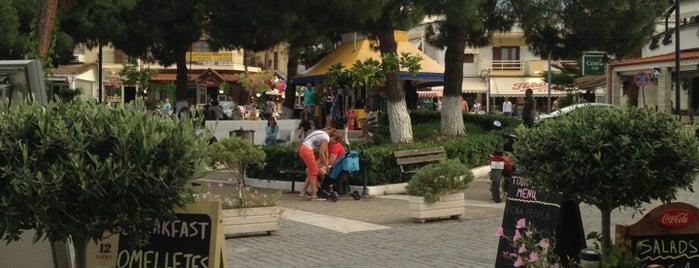 Πλατεία Χανιώτης is one of Lugares guardados de Leonidas.