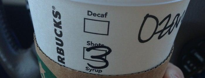 Starbucks is one of Orte, die Kim gefallen.