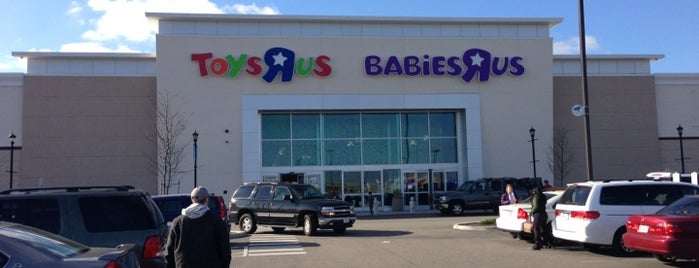 "Toys/Babies ""R"" Us is one of Lisa : понравившиеся места."