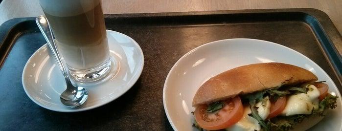 Zipper Bäckerei und Konditorei is one of Erdemさんのお気に入りスポット.