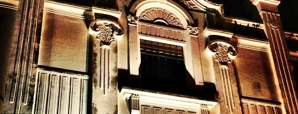 Teatro Polytheama is one of Tempat yang Disukai Lari.