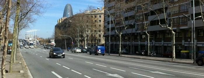 Gran Via de les Corts Catalanes is one of Orte, die Carlos gefallen.