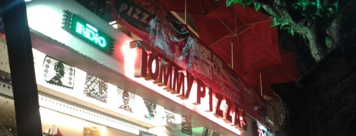 Tommy Pizzas is one of Locais curtidos por Marco.