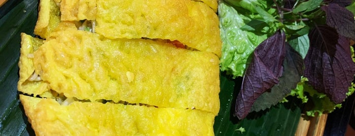 Lam Vien Restaurant is one of Danang Hoi An.