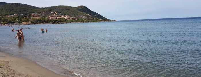 Spiaggia di Porto Corallo is one of Locais salvos de Danilo.