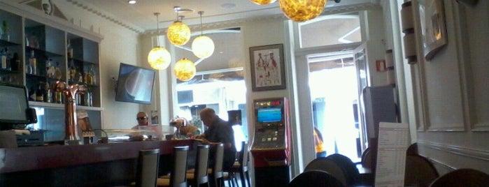 Café Central is one of Lugares favoritos de Ines.