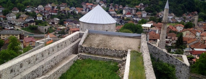 Stari grad Travnik is one of Lugares favoritos de Carl.
