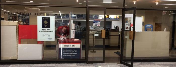 US Post Office is one of Matt Spudart'ın Beğendiği Mekanlar.