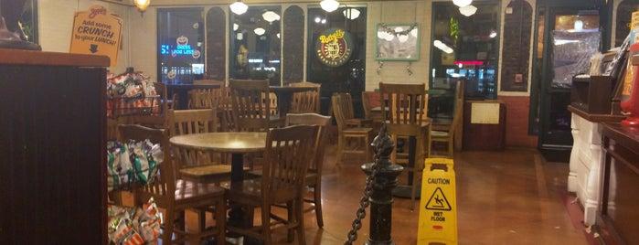 Potbelly Sandwich Shop is one of Matt Spudart'ın Beğendiği Mekanlar.