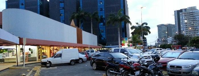 Tropical Shopping is one of Locais curtidos por Aline.