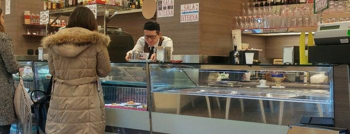 Bar Volpini is one of Tempat yang Disukai Haluk.