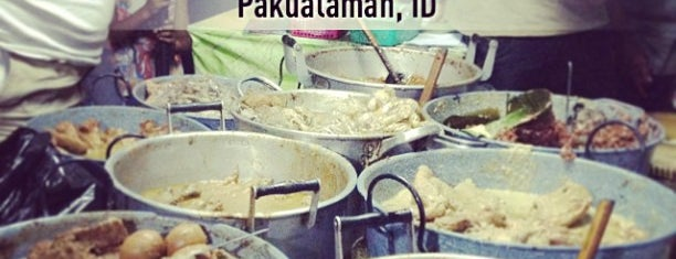 Gudeg Permata Asli Bu Pujo is one of Must-visit Food in Yogyakarta.