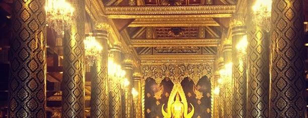 พระวิหารหลวงพระพุทธชินราช is one of Sukhothai.