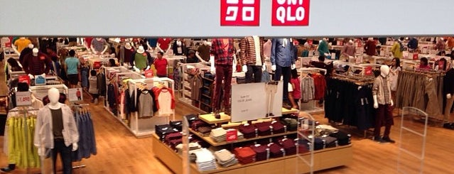 Uniqlo ユニクロ is one of Lugares favoritos de Shank.