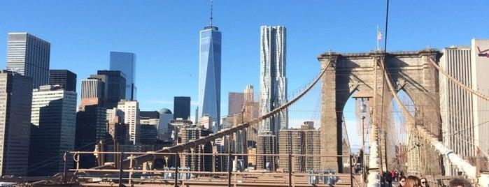 ブルックリンブリッジ is one of New York //.