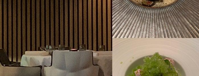 Tribeca Restaurant is one of Lugares favoritos de Rob.