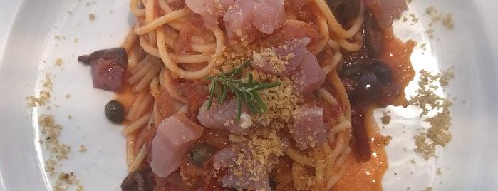 ristorante Lido Azzurro is one of Lugares favoritos de Rob.