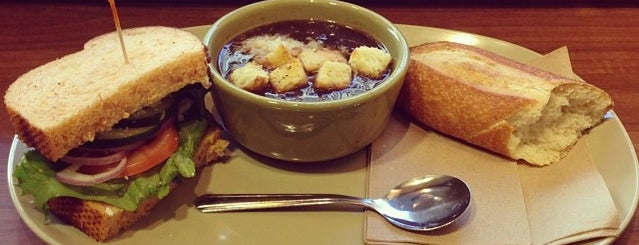 Panera Bread is one of Wallaceさんのお気に入りスポット.