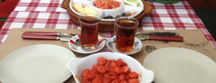 Cafe Mayıs is one of Orte, die Selçuk gefallen.