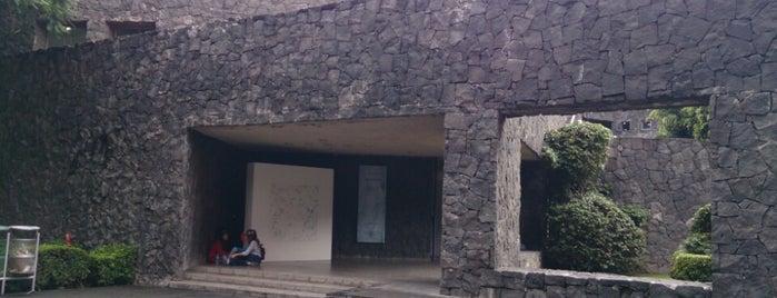 ENPEG La Esmeralda is one of Orte, die Rogelio gefallen.