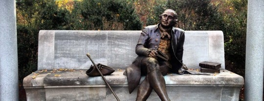George Mason Memorial is one of DC Monuments Run.