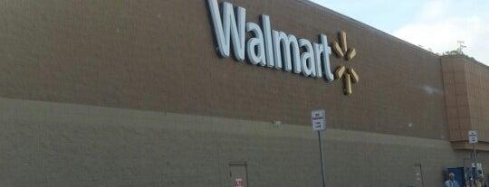 Walmart is one of Tempat yang Disukai Denis.