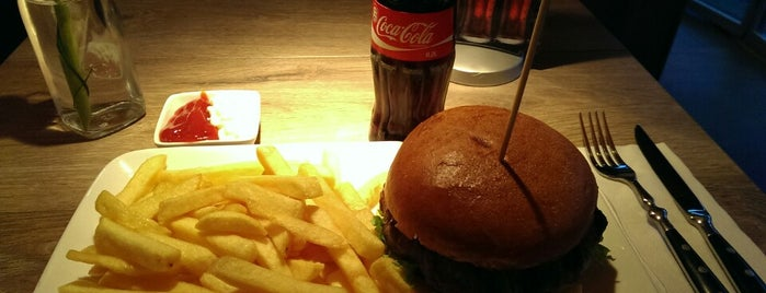 Feuersteins Premium Burger is one of Burger!.