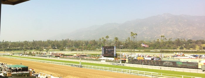Santa Anita Clubhouse is one of 昔 行った.