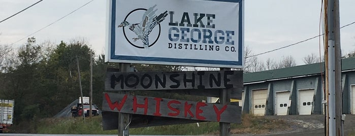 Lake George Distilling Company is one of Lieux sauvegardés par Amelia.