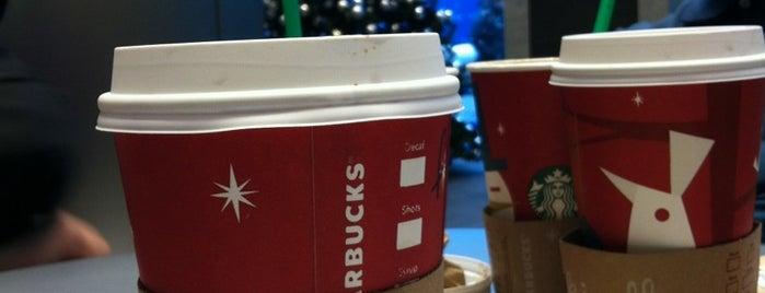 Starbucks is one of Locais curtidos por Andrew.