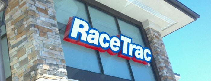 RaceTrac is one of Lets Travel Chickさんのお気に入りスポット.