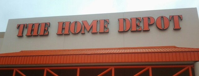 The Home Depot is one of Lieux qui ont plu à Eva.