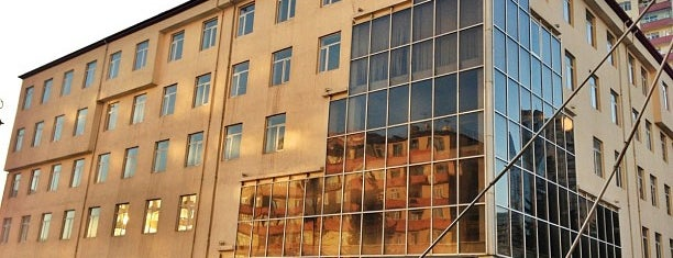 Azerbaijan University of Languages is one of Faridaさんのお気に入りスポット.
