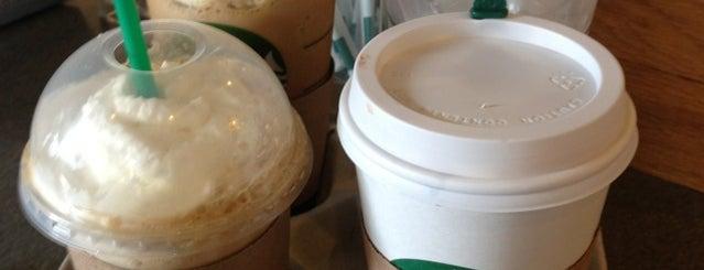 Starbucks is one of Tempat yang Disukai Eric.