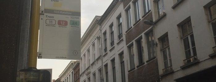 Halte Antwerpen Sint-Katelijne is one of สถานที่ที่ Waldo ถูกใจ.
