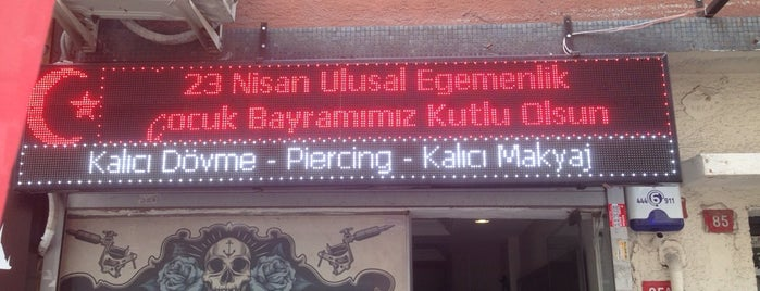 Crazy World Tattoo Dovme Piercing Kalıcı Makyaj İpek Kirpik Uygulama Merkezi is one of Estambul.