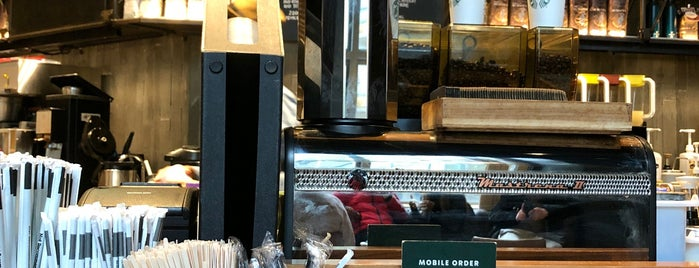 Starbucks Reserve is one of New York City Food & Drink.
