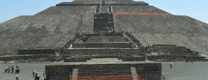 Zona Arqueológica de Teotihuacán is one of México D.F..