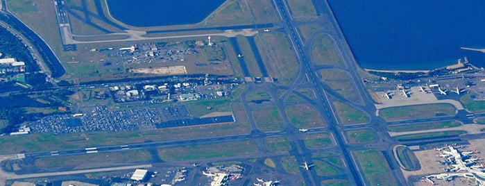 Sydney Airport (SYD) is one of Foursquare City Int'l Airport.