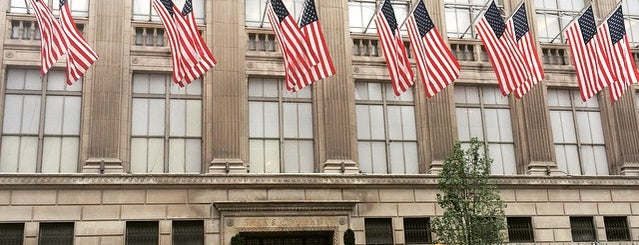 Saks Fifth Avenue is one of #myhints4NewYorkCity.
